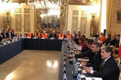 Gilet arancioni soddisfatti dopo incontri con il ministro Centinaio
