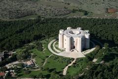 Domenica 5 novembre: arte e matematica a Castel del Monte