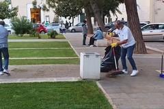Cittadini ripuliscono piazza SS. Trinità, il plauso del Sindaco Bruno
