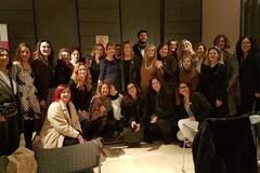 """L'A-more in tutte le sue forme: le """"Amiche per le Amiche"""" e """"Diúnamis"""" incontrano la scrittrice Giovanna Politi"""