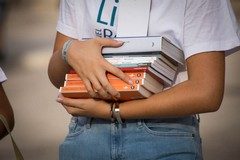 Libri di testo, manifestazione d'interesse delle scuole: protestano i cartolibrai della Confcommercio