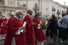 Il saluto e il ringraziamento di Mons. Giovanni Massaro da piazza Catuma ad Andria