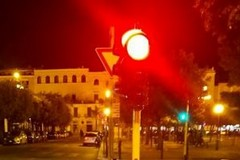 Ad Andria molti semafori non funzionanti e pochi con lampade a led