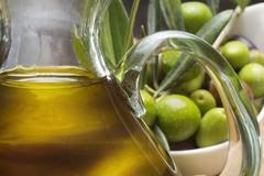 Produzione di olio d'oliva ai minimi storici: la preoccupazione del mondo agricolo e della politica regionale