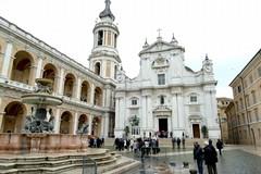 Pellegrinaggio a Loreto del Vescovo Mons. Mansi e della sezione di Andria dell'Ordine Equestre del S. Sepolcro di Gerusalemme