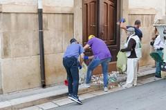 Un'azione di pulizia dell'Associazione 3 Place di Andria, con i volontari della Parrocchia Gesù Crocifisso