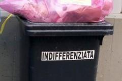 Raccolti solo rifiuti indifferenziati nelle abitazioni in cui sono presenti soggetti positivi al Covid-19