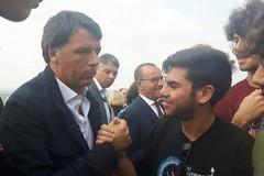 Un selfie con Matteo, la 5^ A del Nuzzi faccia a faccia con il segretario del Pd
