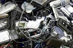 Ambiente: rifiuti di apparecchiature elettroniche, raccolta in calo nella Bat