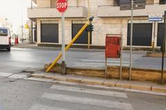 Incrocio Viale Togliatti con via Galvani, da 4 mesi senza semaforo