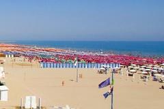 Vacanze, troppi maleducati in spiaggia? I consigli del Codacons Puglia