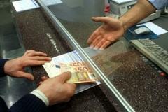 Il contratto bancario è nullo se è privo della firma