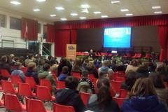 """""""Scoliosi, Prevenire è meglio che curare!"""": grande partecipazione di studenti e genitori"""
