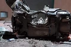 Esplosione nella notte a Corato, distrutta l'auto di un carabiniere in servizio ad Andria