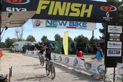 A 16 anni conquista Castel del Monte: Cristian Roberti vince la Mediofondo seconda tappa dell'Iron Bike