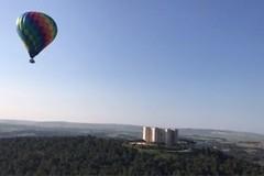 Giro in mongolfiera per ammirare la bellezza storica del Castel del Monte