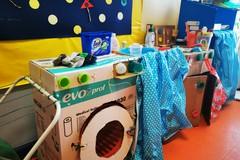 """Doni """"green"""" alla pediatria del Bonomo: i bambini costruiscono giochi per i degenti"""