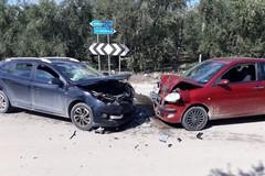 """Violento impatto tra due auto al bivio Montegrosso-Minervino, feriti gravi in codice rosso al """"Bonomo"""""""