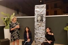 La ritrattista Paola Lomuscio si racconta in una serata dedicata all'arte delle donne