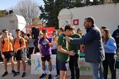 Corsa campestre, una festa di sport e aggregazione tra le scuole cittadine nella Villa Comunale