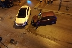 Incidente stradale su viale Goito angolo via Pastrengo, lievemente ferita una ragazza