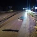 Scongiurato pericolo alla circolazione stradale per grosso pezzo di copertone di camion sull'Andria-Canosa di Puglia