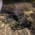 Incendiano contenitore dei rifiuti: intervento della Polizia Locale