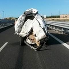 """Scontro tra un Tir ed un furgone: incidente sulla  """"Andria-Barletta """""""