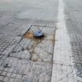 Pericoli occulti sui marciapiedi, incubo degli andriesi
