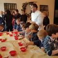 """Piccoli cuochi crescono: gli alunni della scuola  """"Oberdan """" preparano i tradizionali dolci di Natale"""