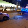 Camion perde gasolio dal serbatoio: traffico bloccato in via Padre Leone Dehon per strada impraticabile