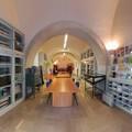 """L'associazione  """"Amici per la Vita """" dona libri alla Biblioteca diocesana di Andria"""