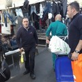 Mercato, agli ambulanti consegnato il kit dei bustoni per la spazzatura