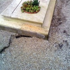 Campi 1 e 2 del Cimitero di Andria: ignorato il pericolo per i cedimenti