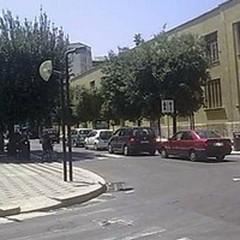 Una donna di 40 anni investita da un motoveicolo in Corso Cavour
