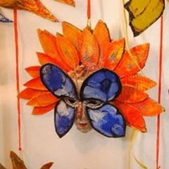 Una maschera per la creatività: alla «Rosmini» il laboratorio