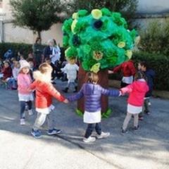 Festa dell'albero: un limone ed un girotondo per l'infanzia