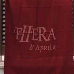 Prima giornata di pioggia per la Fiera d'Aprile 2014: oggi concerti in Officina