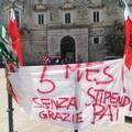 Formatori della Bat senza stipendio: sit in davanti alla sede di Andria