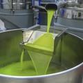 Covid 19: l'olio extra vergine d'oliva tra gli alimenti che non mancano in dispensa