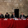 """Svastica nei pressi Cattedrale, Prefetto Valiante:  """"Consolidare i principi fondanti della nostra Costituzione """""""