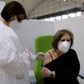 Quasi 900 mila dosi di vaccino somministrate in Puglia: da domani è la volta dei 71 e 70enni