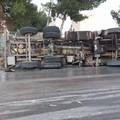 Camion cisterna si ribalta lungo la Trani-Andria, nessun ferito