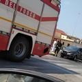 Prende fuoco una Citroen Picasso su via Barletta: intervento dei Vigili del Fuoco