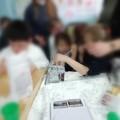 """Alla scuola dell'infanzia  """"G. Mansi """" i bambini preparano le  """"chiacchiere """" di Carnevale"""