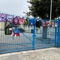 """Scuole chiuse: anche all' Istituto Comprensivo """"Verdi"""" i genitori portano gli zaini a scuola"""