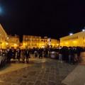 Un diverbio stradale fa accorrere in piazza Catuma una moltitudine di gente