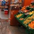 Zona rossa rafforzata in Puglia, tornano le file davanti ai supermercati