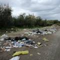 Via Lagnone Santa Croce invasa dai rifiuti