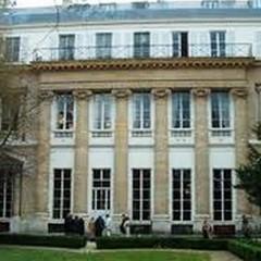 Cercasi 4 docenti di madrelingua all'Istituto Italiano di Cultura di Parigi